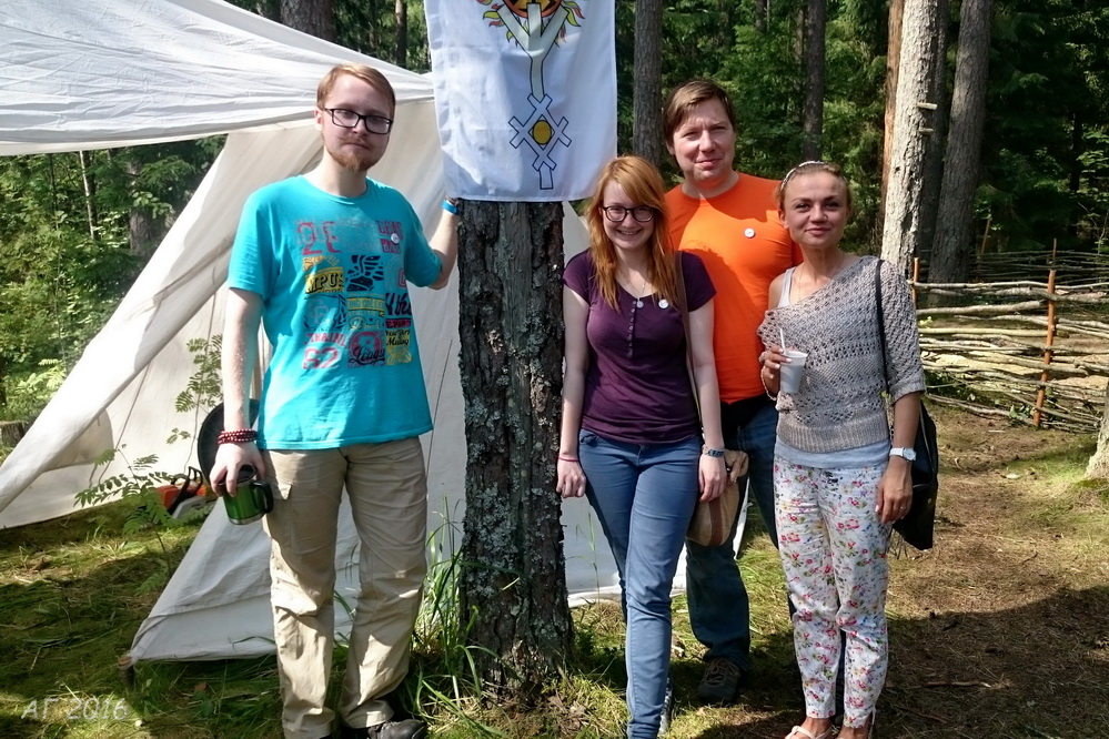 Алексей Гайдуков и студенты, соцопрос,  Купала, Велесье, 26.06.2016