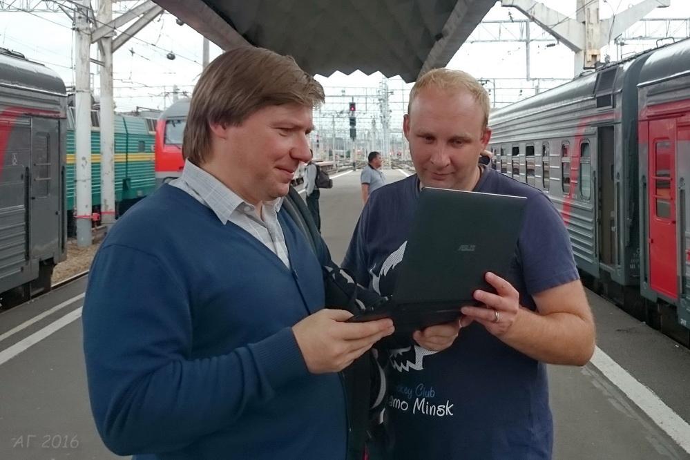 DSC_2435 АГ и Шиженский на вокзале, 26.08.2016 (2) _м