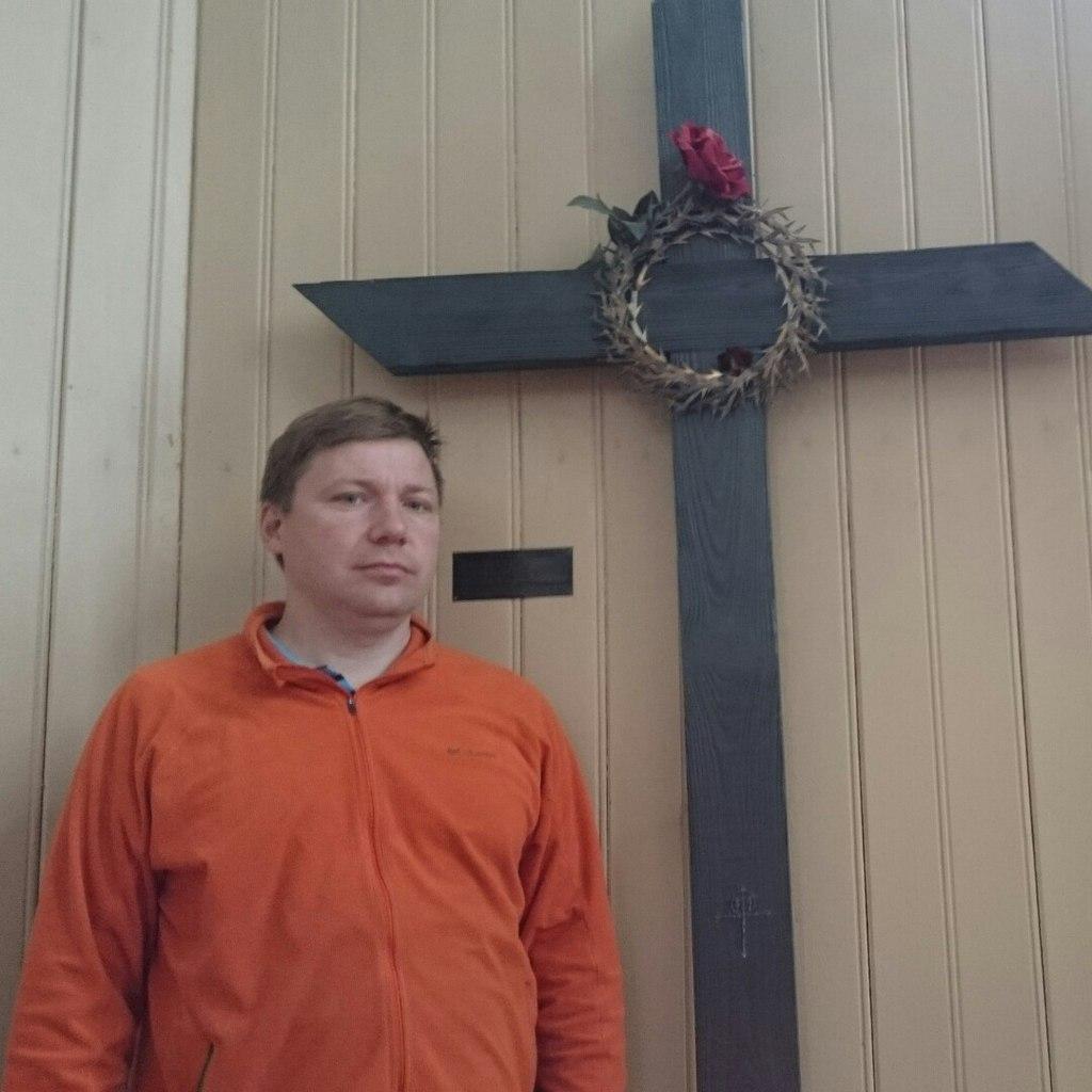 Древний чёрный крест в Пярну, Лютеранская церковь св. Елизаветы, Эстония, Пярну, 18.07.2015