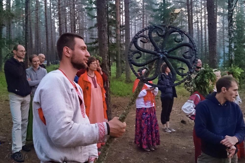 DSC_0483 Дракон и КОЛесо Купала, Велесье,26.06.2016 (2)_м