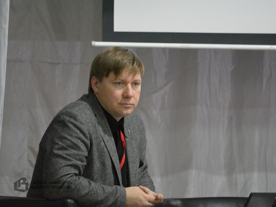 А.В. Гайдуков - ведущий конференции «Церковь и война», 23.09.2016