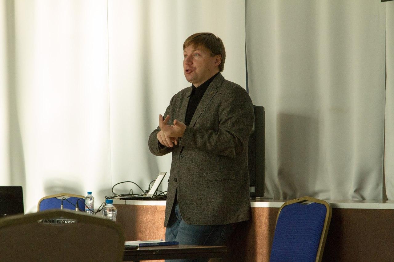 А.В. Гайдуков на выездном семинаре по проблемам межэтнических и межрелигиозных отношений, вопросам формирования толерантности в молодежной среде. 31.10.2015 = фото группы ВК