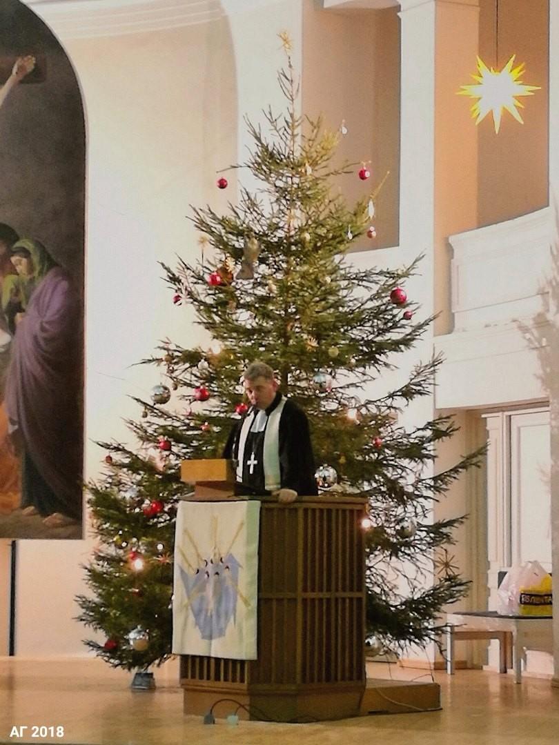 Патор Михаэль Шварцкопф произносит прооповедь в Сочельник, Петрикирхе, 24.12.2018