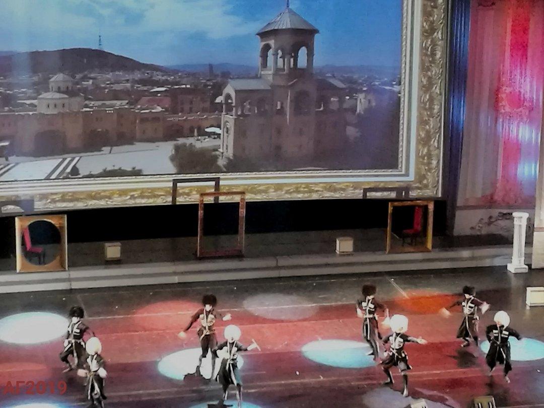Грузинский танец. Гала-концерт, посвященный Дню национального единства, «Мы вместе!», БКЗ «Октябрьский», 12.11.2019.