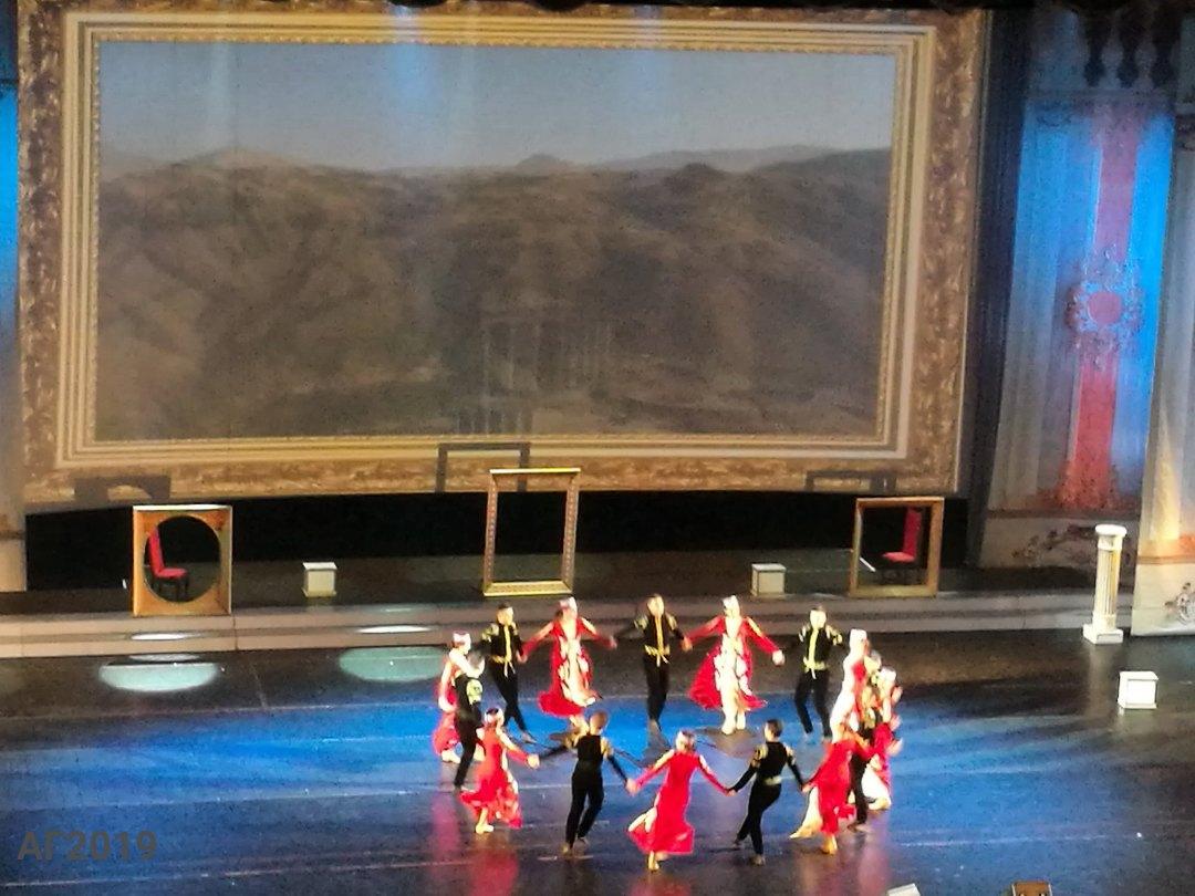 Армянский танец. Гала-концерт, посвященный Дню национального единства, «Мы вместе!», БКЗ «Октябрьский», 12.11.2019.