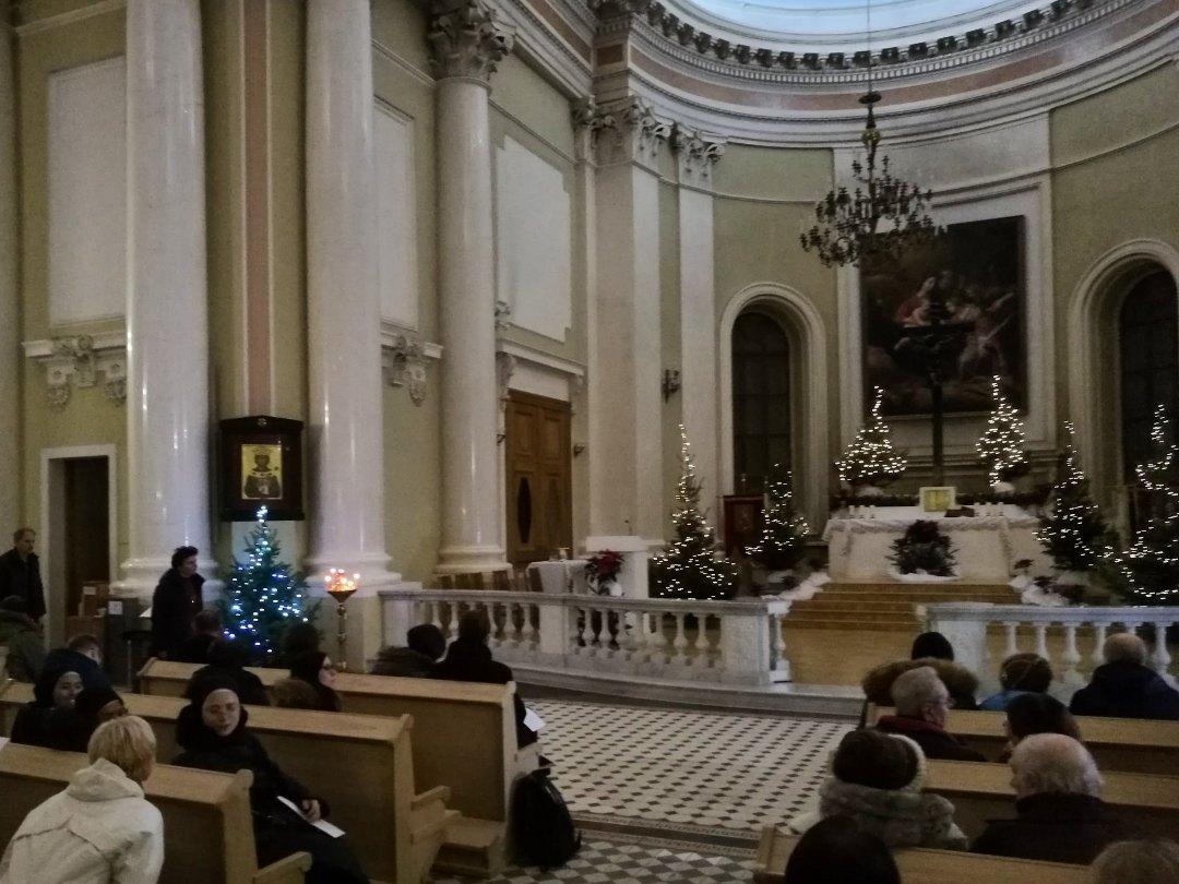 Новые скамьи в базилике св. Екатерины, «Рождественский марафон», 24.12.2019