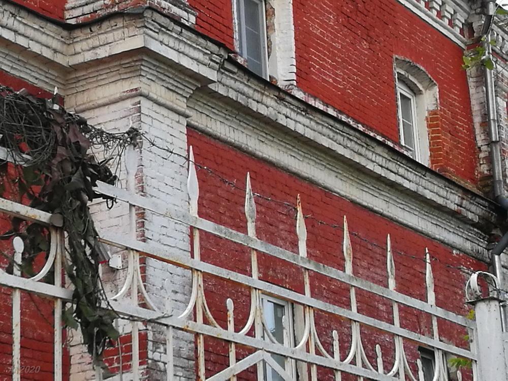 Ограда. Богоявленско-Анастасиин женский монастырь, Кострома, 02.08.2020