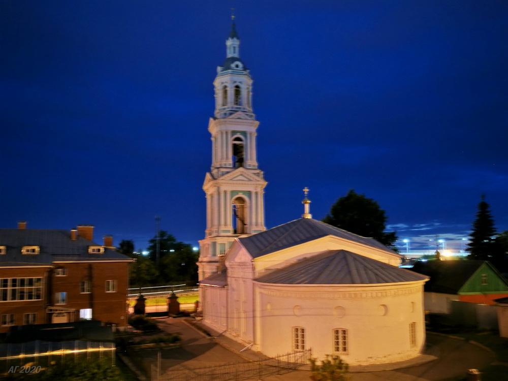 Колокольня Знаменской церкви Знаменского женского епархиального монастыря, Кострома, 02.08.2020